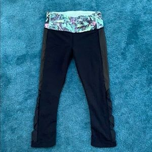 Mesh Lululemon crop leggings